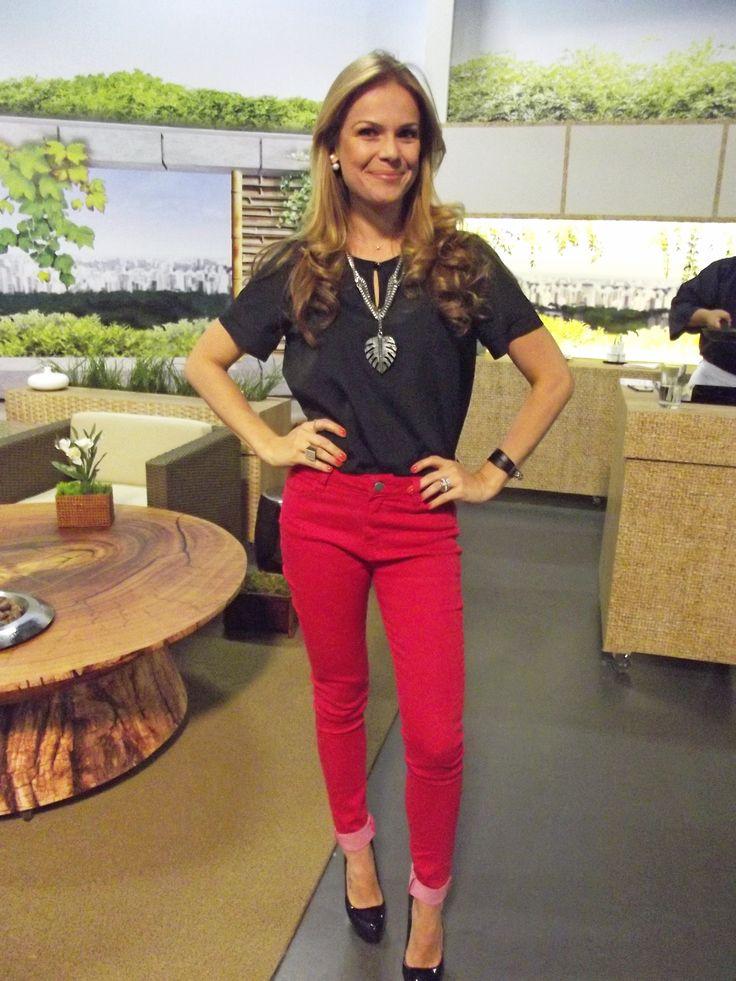 A DANDREA virou queridinha das apresentadoras de TV! Carol Minhoto lindíssima no Você Bonita, da TV Gazeta, com o look42 DANDREA
