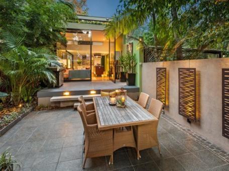 12 Ballantyne Street, Mosman sold 13/01/15 $1,650,000 High spec renovation 3 B/R, 2 bath, dble parking 252 sq mtrs