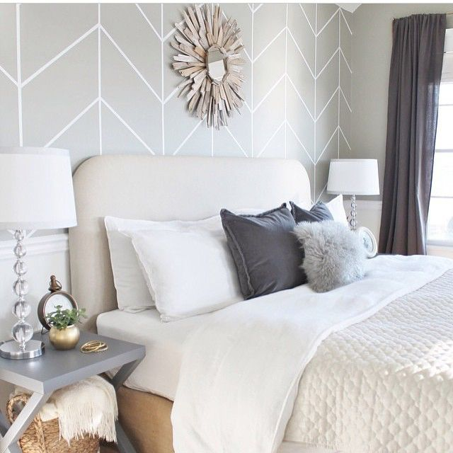 I sure would be having sweet dreams curling up in this lovely bed! Have you seen the latest update from Jen @cityfarmhouse1 master bedroom!! So serene and calming!! Goodnight friends! #ff #followfriday #bedroom #grayandwhite #driftwood