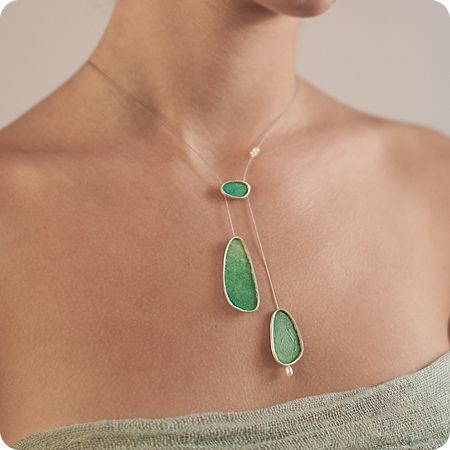 Amazing silver and green paper necklace by Silina….