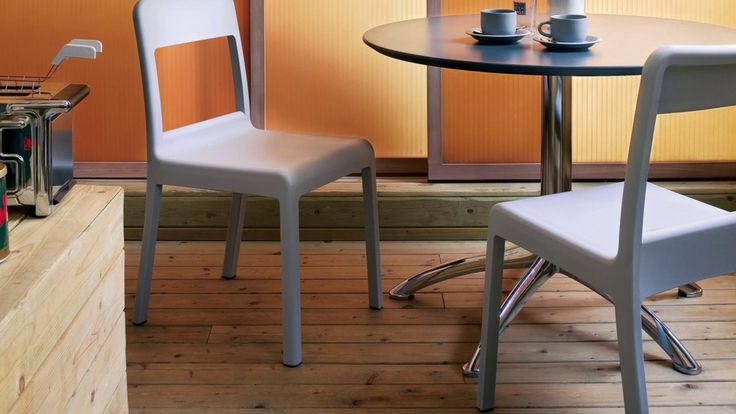 For the realization of Pacific we had the pleasure to work with George Sowden, who created the design of the chair. More on: http://bit.ly/Segis-Pacific
