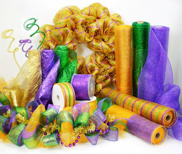 Party Ideas by Mardi Gras Outlet: How to: Mardi Gras Wreath made with Mesh Sinamay Garland