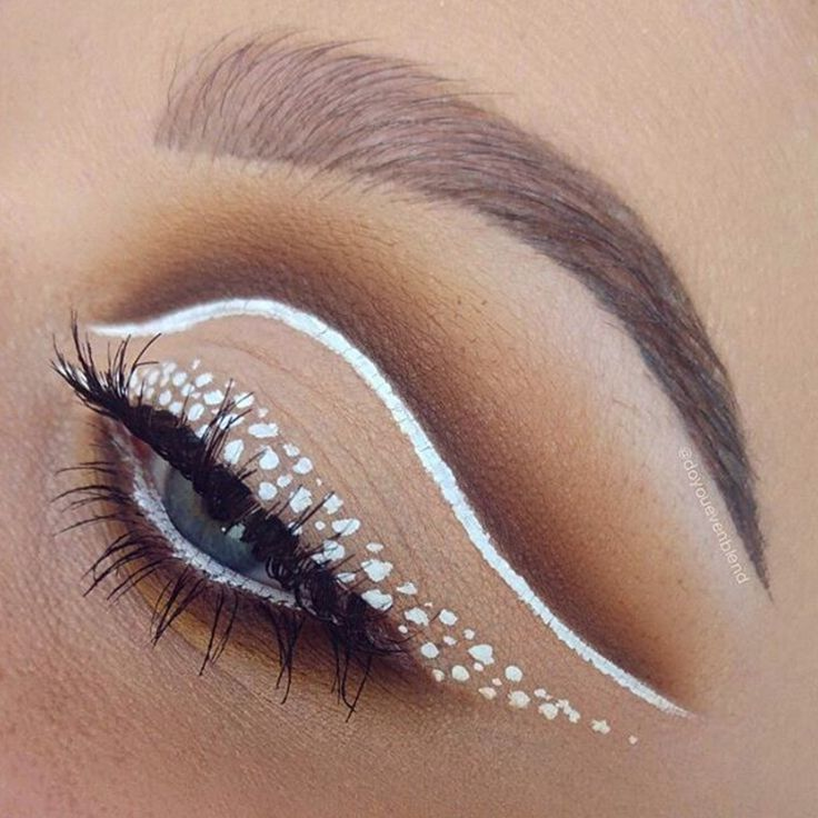 Check out this spotty eyeliner look by @doyouevenblend. Loving the white winged liner with a brown blended cut crease! More: http://blog.furlesscosmetics.com/katina-k/