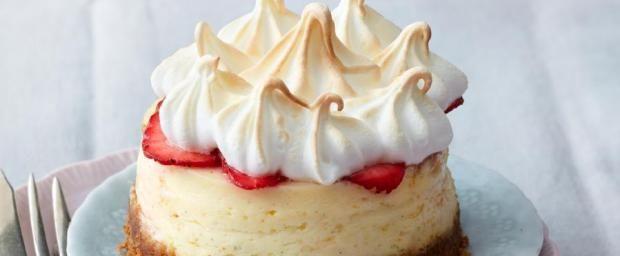 Cheesecake-Törtchen mit Erdbeeren