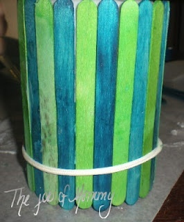Fathers Day crafts  Super easy craft- can fill with candy, coins, papers with jokes and so much more :)