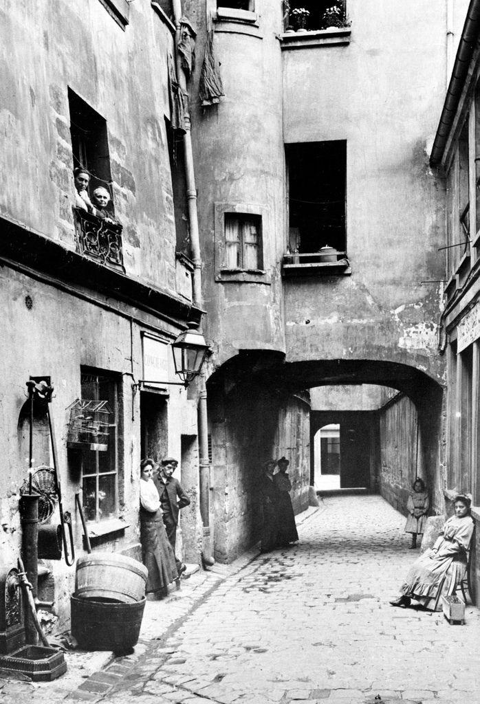 robert doisneau and sophia thomalla: Photographer Profile ~ Seeberger Brothers.Paris, Photographers Profile, Seeberg Brother, Street, White, Old Photos, Black