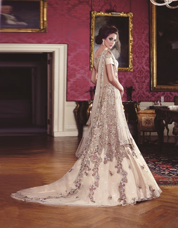Best 25+ Asian wedding dress ideas on Pinterest ...