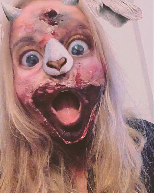 Halloween party part 2, complete zombie ft. Sheep snapchat filter