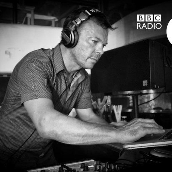 """Check out """"Pete Tong - The Essential Selection (Purple Disco Machine After Hours Mix) - 11.12.2015"""" by LiveSets.at on Mixcloud"""