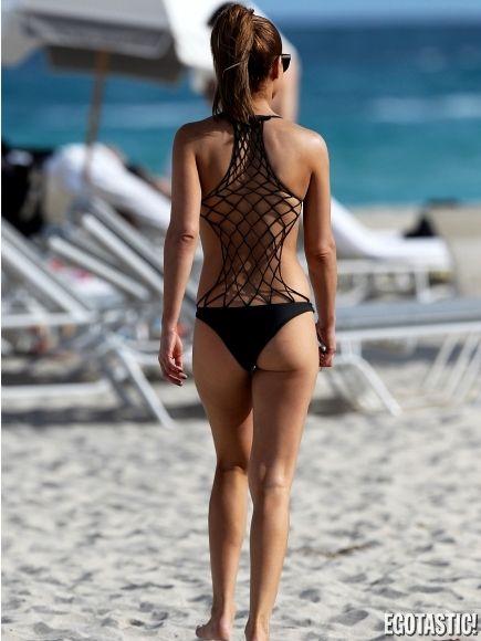 Sarah Hyland Bikini | sarah-hyland-in-glamoholic-magazine ...