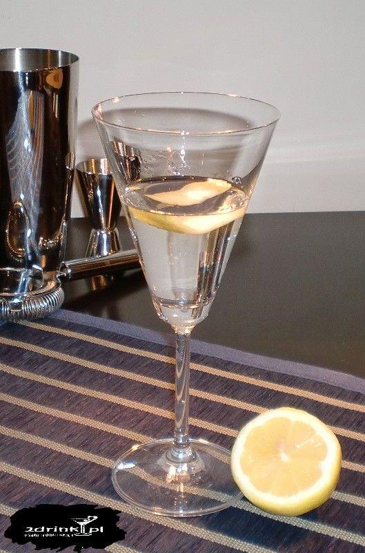 Bardzo popularna wariacja na temat Martini, czyli Martini z wódką (Vodkatini).