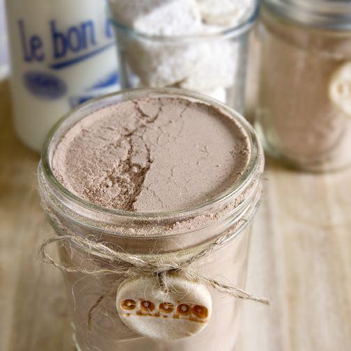DIY chai tea mix. Makes 8 or 9 mason jars. Nice gift v