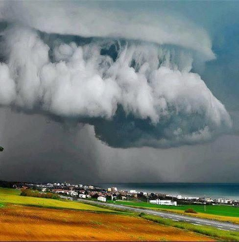 Best Weather Sand Sea Sky Images On Pinterest Weather - Stunning photographs capture epic thunderstorm off the coast of sydney
