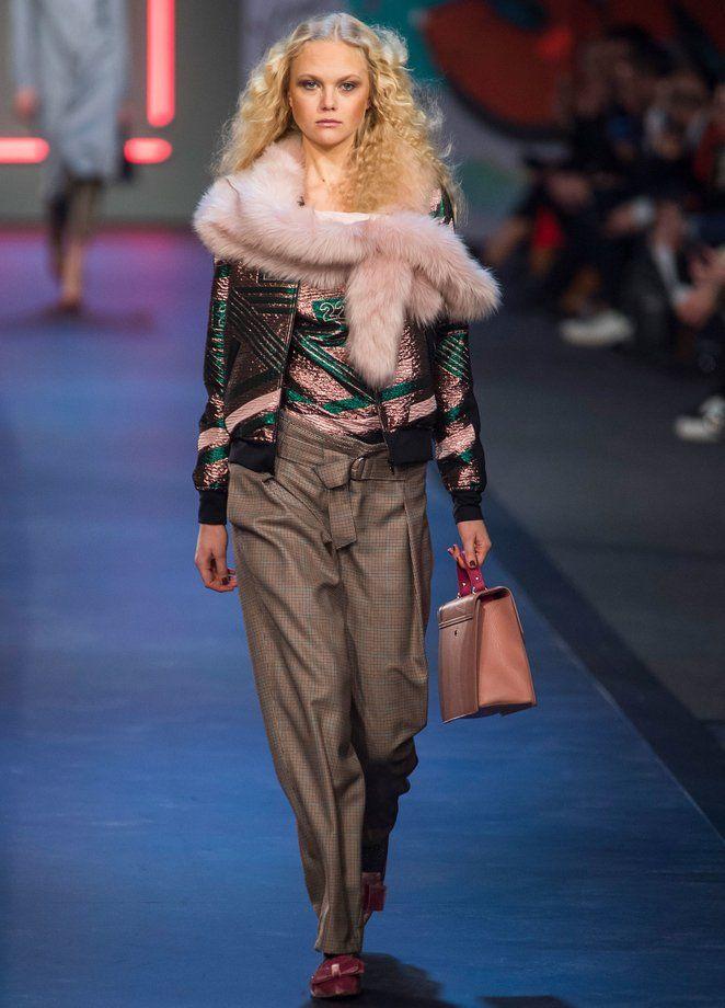 6949caf7c8029e Berlin Fashion Week  Marc Cain Herbst Winter 2018 2019
