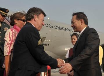 Colombia, antojada de un TLC con China