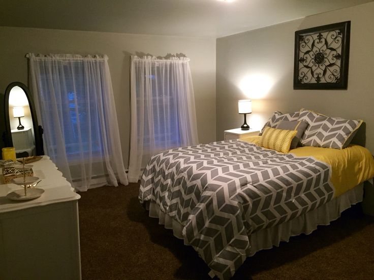Best 25 dark brown carpet ideas on pinterest for Brown and yellow walls