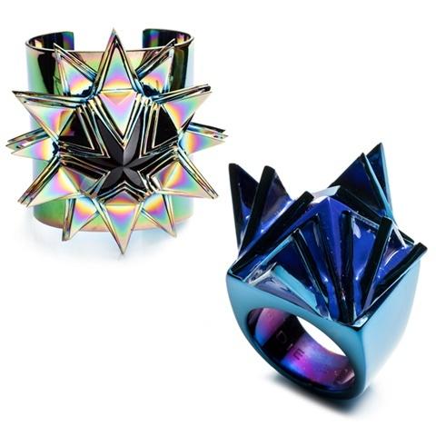 iridescent hologram rings