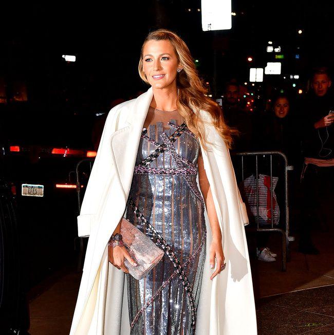 Ya sabemos porque #BlakeLively no tiene un estilista (y #SerenaVanDerWoodsen estaría de acuerdo) #Fashion #Looks #FashionStylist #Stylist #Moda #Look