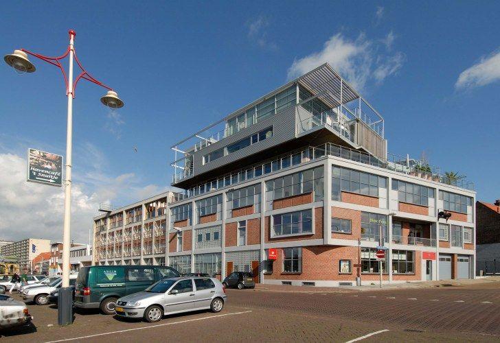 Sustainable warehouse design. Find your warehouse at: raktarkereso.info