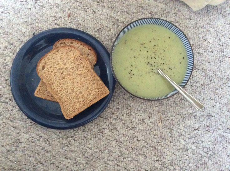 Slimming world friendly lunch Broccoli and cauliflower soup with hea laughing cow blue cheese and heb hovis wholemeal