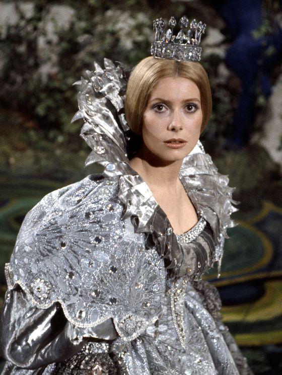 Catherine Deneuve dans Peau d'Ane   Jacques Demy 1970