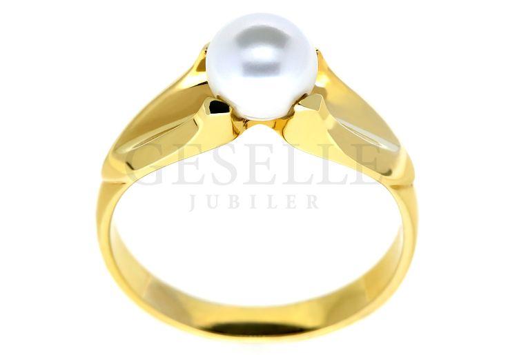 Pełen stylu i niezwykłej elegancji pierścionek z klasycznego złota pr. 585 z białą perłą hodowlaną   NA PREZENT \ Rocznica NA PREZENT \ Urodziny NA PREZENT \ Dzień Matki ZŁOTO \ Żółte złoto \ Pierścionki od GESELLE Jubiler