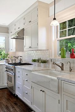 white cabinets //
