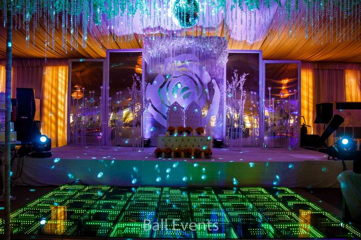 37 best wedding decorations images on pinterest wedding wedding mirror wedding stage weddingreceptionstage weddingdecor mirrorstage junglespirit Images