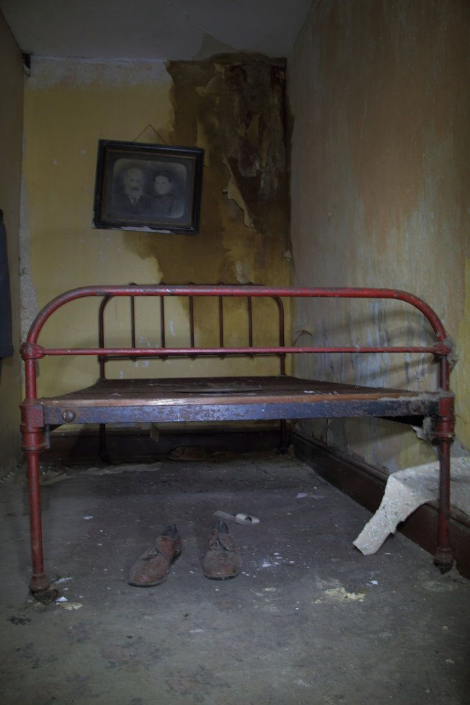 7809 best abandoned places images on pinterest - The best house in wales ...