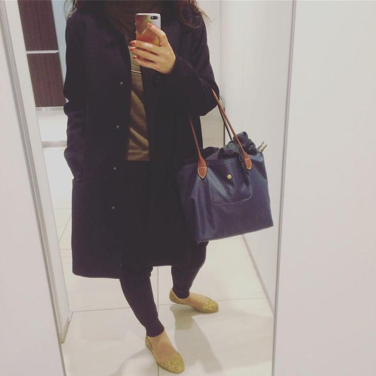コートで暖かく☔️ #おはようございます#雨の日#どしゃぶり#今日の服#コーディネート#コーデ#ついにコート着用 #outer#nanouniverse  #bottoms#uniqlo #bag#longchamp #shoes#mellisa #金曜日#がんばる#カジュアル派#ユニクロ#ナノユニバース#ロンシャン#rainyday#cordinate#outfit#fashion#2016mitsue