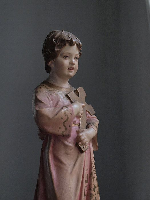 Etsy の 十字架を抱える少年キリスト像 聖人 彫刻カトリック宗教芸術アンティーク by GliciniaANTIC, €285.00