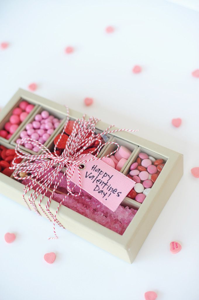 DIY Valentine Gift Idea: Pink and Red Candy Box - Entertain | Fun DIY Party Craft Ideas