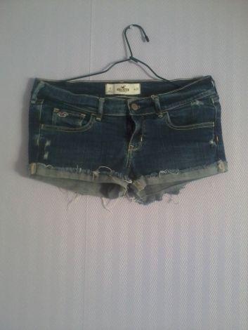 Je viens de mettre en vente cet article  : Short Hollister 15,00 € http://www.videdressing.com/shorts/hollister/p-4666307.html?utm_source=pinterest&utm_medium=pinterest_share&utm_campaign=FR_Femme_V%C3%AAtements_Shorts+%26+Pantacourts_4666307_pinterest_share