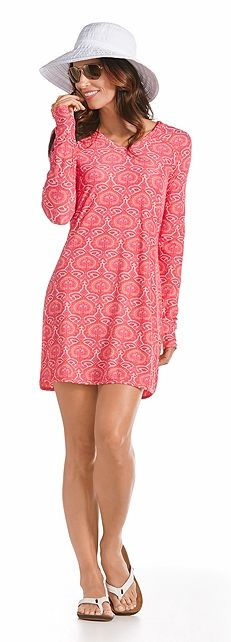This outfit is perfect for keeping your skin safe on the beach! It's really important to keep your arms and shoulders covered with Coolibar UPF 50+ clothing. You'll love how easy vacation becomes.