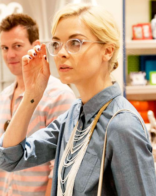 i love clear frames jaime king in clear frames works clear acetate frames act as a natural highlighter instantly brightening up the eye area and