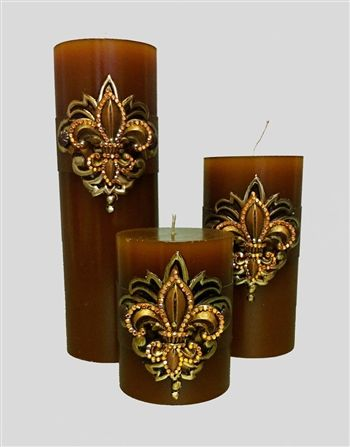 DOSVELLA is the industry's leading manufacturer of Luxury Decorative Candles with hand-made embellishments. We carry an array of styles, colors and sizes!