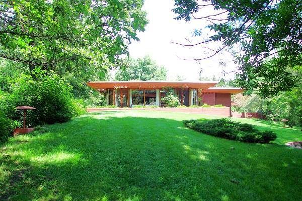 Walter house 2611 quasqueton diagonal blvd for Architecture organique