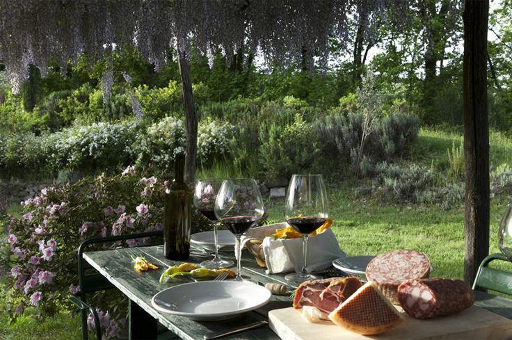 #Fattoria Le Mandrie di Ripalta offre ai suoi #ospiti la possibilità di #degustare #vini, #formaggi e altri #prodotti #tipici #toscani. Siete già partiti?