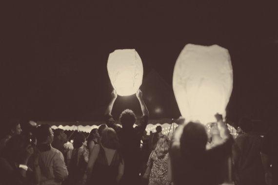 25 Flying Sky Lanterns - Chinese wishing lanterns on Etsy, £48.08