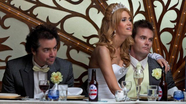 Still of Kevin Corrigan and Kristen Wiig in Revenge for Jolly! (2012)