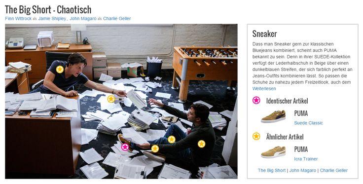 Dass man Sneaker gern zur klassischen Bluejeans kombiniert, scheint auch PUMA bekannt zu sein. Denn in ihrer SUEDE-Kollektion verfügt der Lederhalbschuh in Beige über einen dunkelblauen Streifen, der sich farblich perfekt an Jeans-Outfits kombinieren lässt. So passen die Schuhe zu nahezu jedem Freizeitlook, auch dem von John Magaro alias Charlie Geller. Der Style seines Trägers wirkt somit modisch und sportlich zugleich und setzt tolle Akzente.
