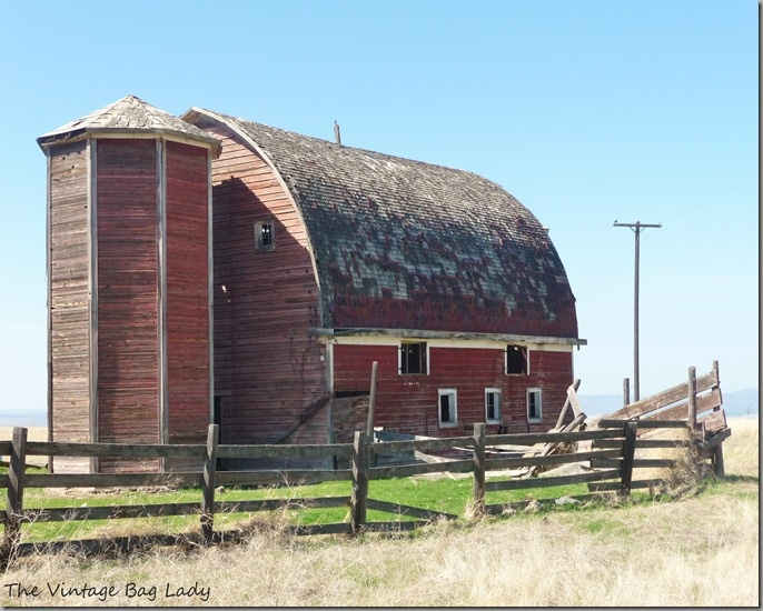 Beautiful Red Barn  love the roundness of this barn...love different!