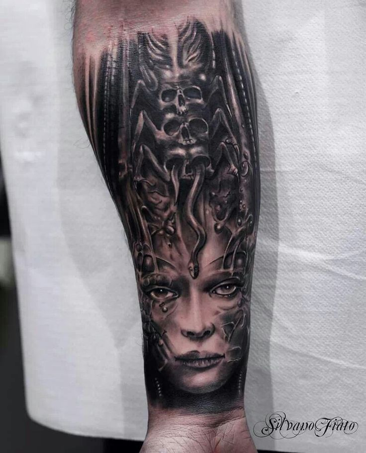 17 Best images about Giger Tattoo on Pinterest ...