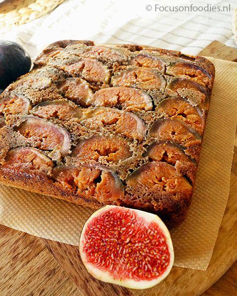 Glutenvrije plaatkoek met vijgen zonder geraffineerde suiker, ideaal als nagerecht voor een heerlijk kerstmenu