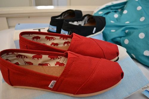 I'm in LOVE! toms