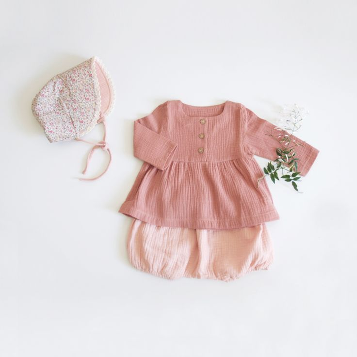 Cotton gauze baby blouse and bloomers