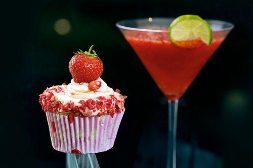 Strawberry daiquiri cupcake