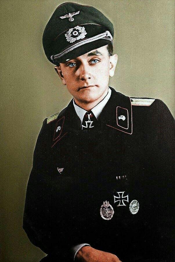 Leutnant d.R. Otto Carius (1922-2015), Führer 2./schwere Panzer Abteilung 502, Ritterkreuz 04.05.1944, Eichenlaub (535) 27.07.1944