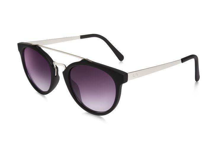 Occhiali da sole polarizzati: SELFIE/BLACK SMOKE di Slash Sunglasses  http://www.slashsunglasses.com/shop/selfie-nero-viola.html