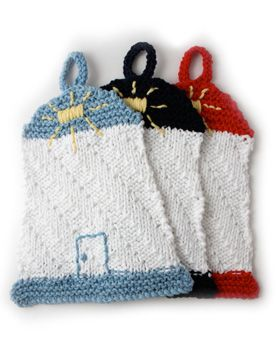 Chart a course for a clean kitchen with this easy #knit lighthouse dishcloth! Lily® Sugar'n Cream® Lighthouse dishcloth #knit #pattern